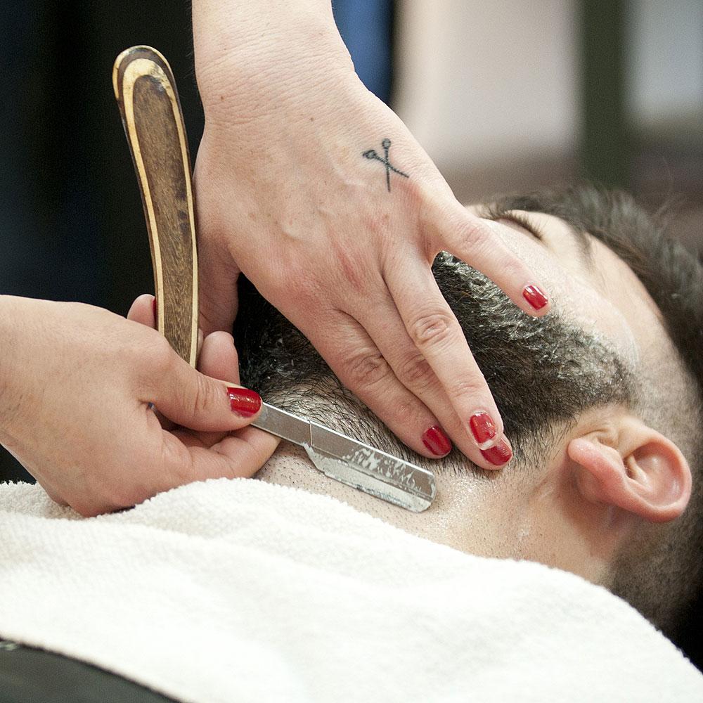 Arreglo Barbas en Sevilla - Afeitado a navaja