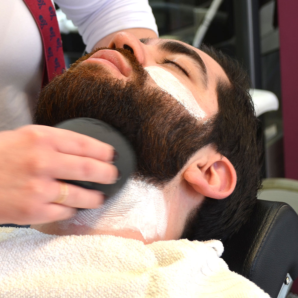 Peeling Facial Hombre en Sevilla