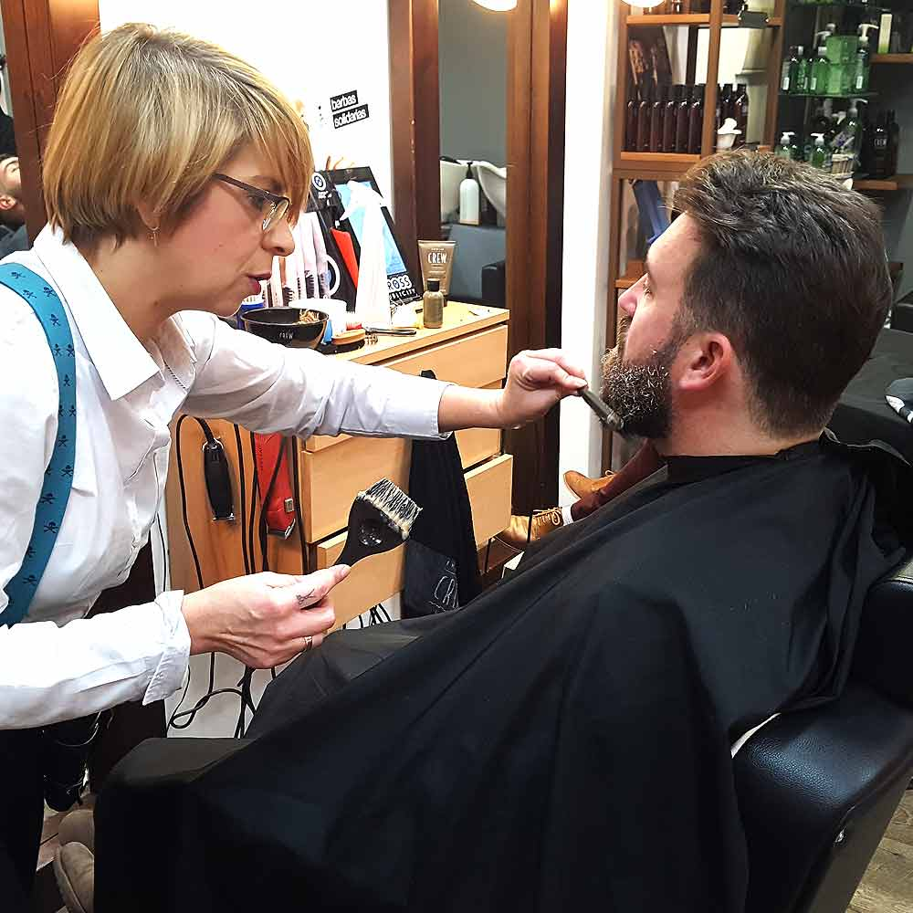 Matizar canas de barba y cabello
